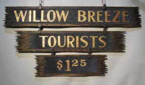 Willow Breeze Tourists Sign