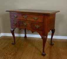 Queen Anne Walnut-Drake Foot Dressing Table